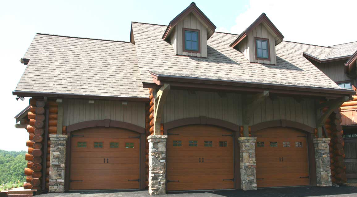 Pin living quarters above garage on pinterest for Custom garages with living quarters
