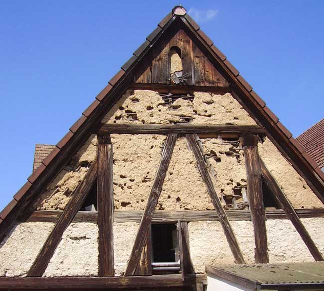 Half-timbers used between timber frame to reduce the span for the infill material.